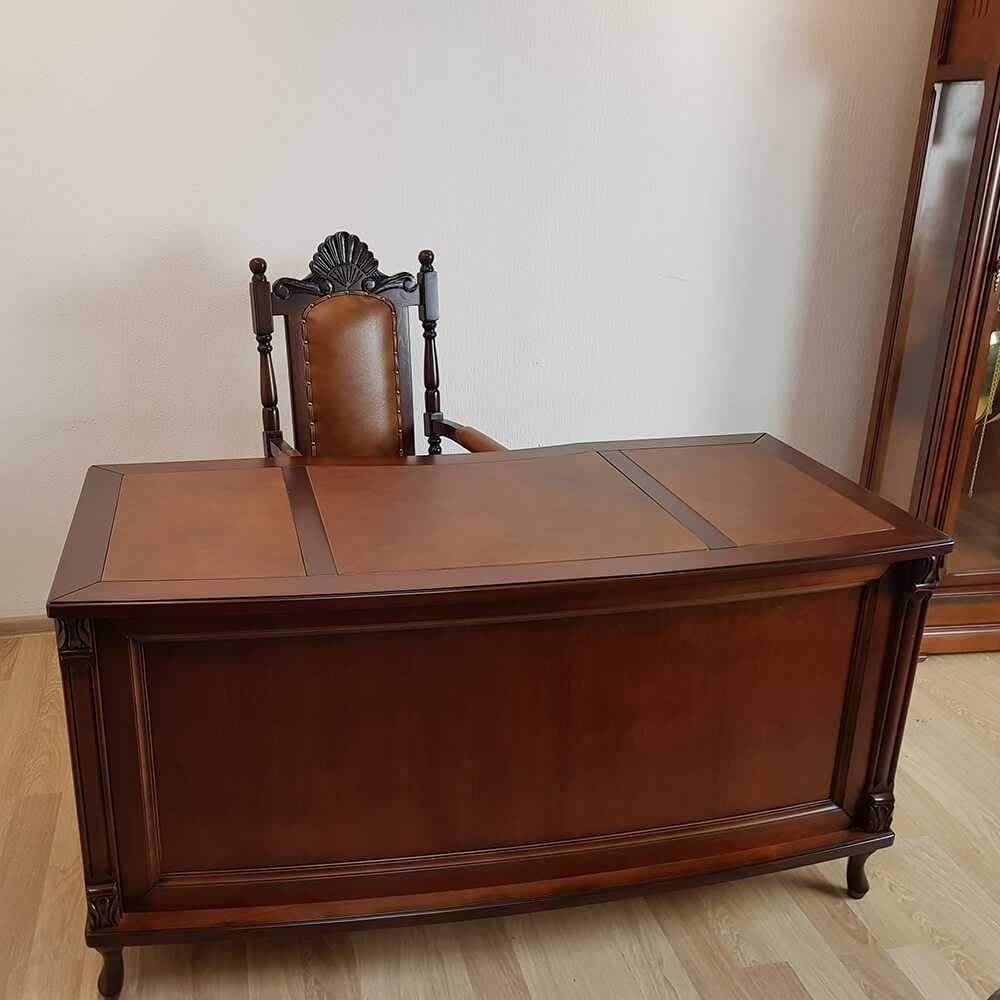 Klasyczne biurko drewniane półokrągłe wykończone z dwóch stron na wymiar