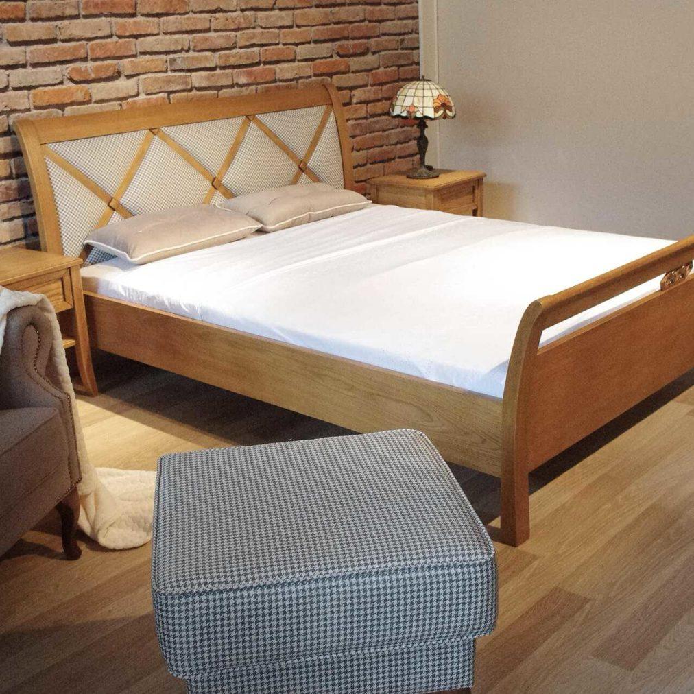 łóżko w stylu prowanslaskim sypialnia prowansalska- dębowa-tapicerowane